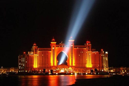 Atlantis hotel Light Show