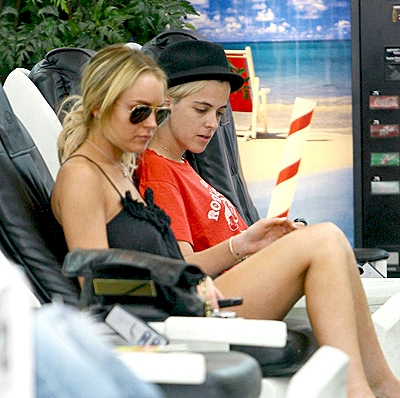 Lindsay Lohan buying Property in Dubai