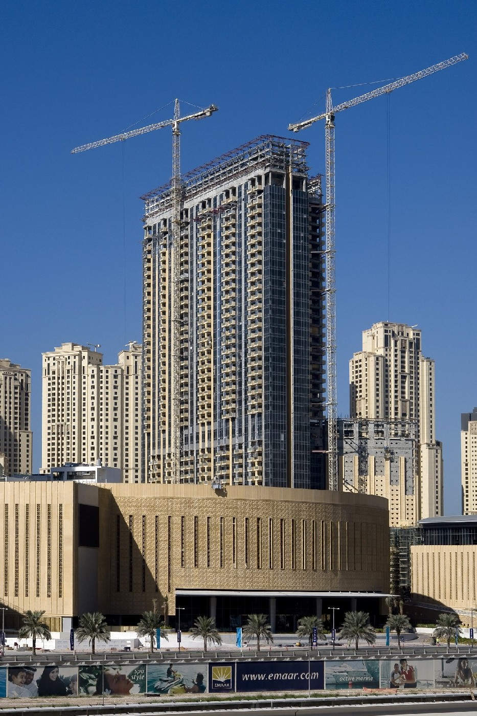 The address hotel dubai marina a hotel in a league of for Address hotel dubai